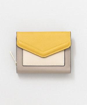 芸能人十川一華・遺産を引き継ぐことになった女子大生が探偵が早すぎるで着用した衣装財布