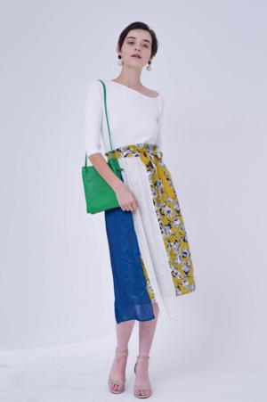 芸能人がライフスタイル動画メディア「KALOS」で着用した衣装スカート