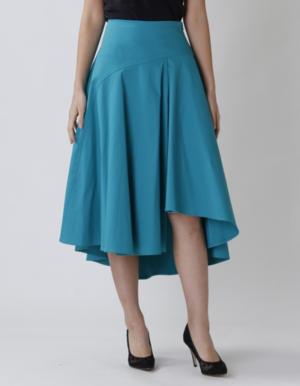 芸能人がWEBムービー『FUJIFILM』で着用した衣装スカート