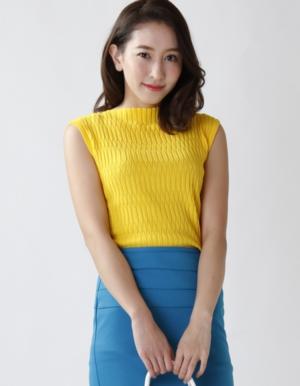 芸能人がWEBムービー『FUJIFILM』で着用した衣装ニット/セーター
