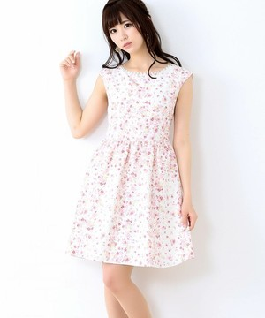 芸能人橘穂香・バレエ経験者がチア☆ダンで着用した衣装ワンピース