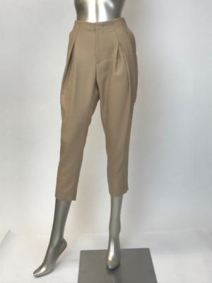 芸能人がI-RabBits「ミスデモクラシー」MVで着用した衣装パンツ
