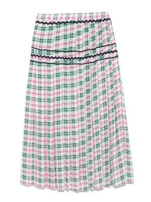 芸能人がFNSうたの夏まつりで着用した衣装スカート