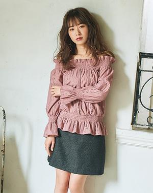 芸能人向井里香・えみるの同僚が健康で文化的な最低限度の生活で着用した衣装トップス