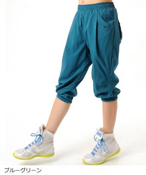 芸能人桐生汐里・美少女転校生、チアダンス部設立に燃えるがチア☆ダンで着用した衣装パンツ