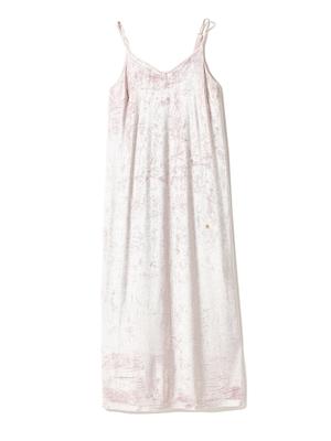 芸能人月島もも・長女で天才華道家が高嶺の花で着用した衣装ルームウェア