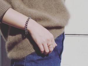 芸能人がビビットで着用した衣装指輪/イヤリング/ブレスレット