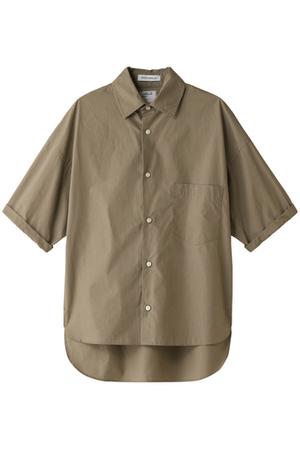 芸能人黒木さやか・半年以内に結婚しなければならない出版社社員がサバイバル・ウェディングで着用した衣装シャツ / ブラウス