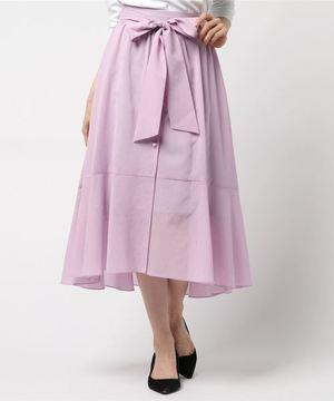 芸能人三上沙耶・和也の恋人がいつかこの雨がやむ日までで着用した衣装スカート