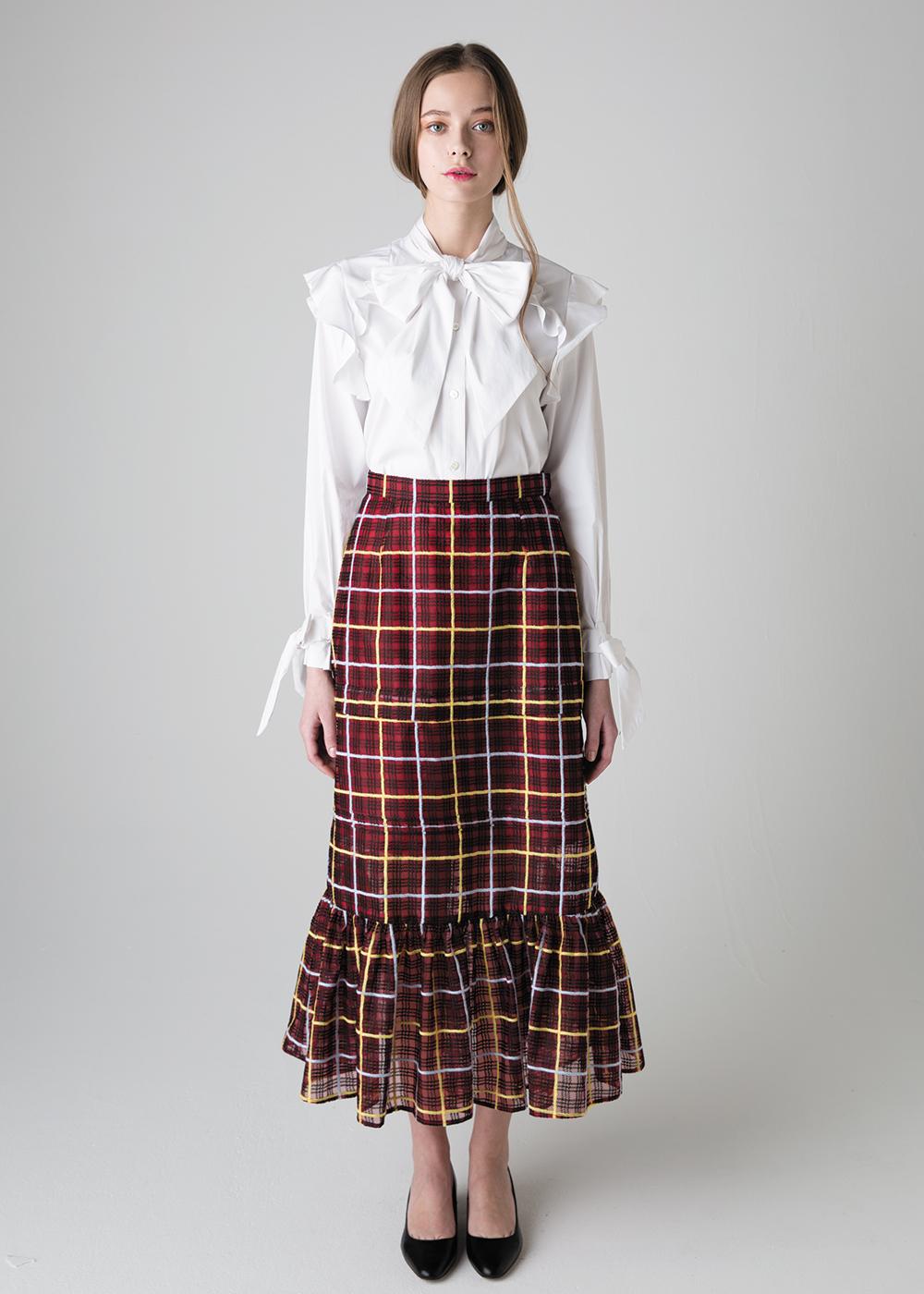 芸能人が林先生が驚く初耳学!で着用した衣装スカート、ブラウス