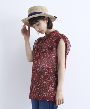 芸能人編集部のバイトちゃんがサバイバル・ウェディングで着用した衣装ブラウス