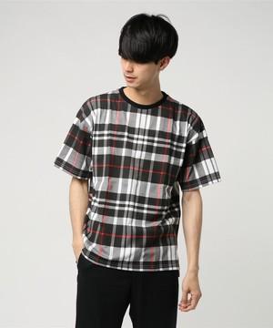 芸能人編集部のバイトくんがサバイバル・ウェディングで着用した衣装Tシャツ