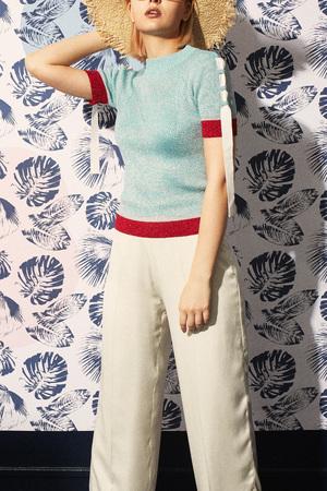 芸能人が有田哲平の夢なら醒めないでで着用した衣装トップス/スカート