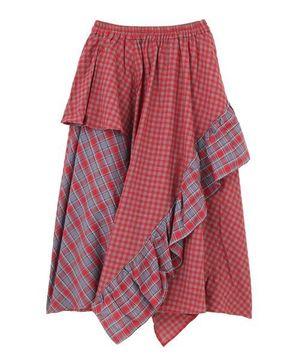 芸能人がLINE BLOGで着用した衣装スカート