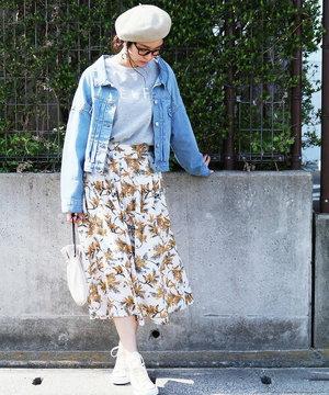 芸能人がニュースブリッジで着用した衣装スカート