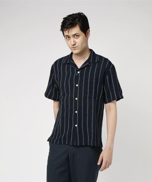 芸能人編集部のバイトくんがサバイバル・ウェディングで着用した衣装シャツ / ブラウス