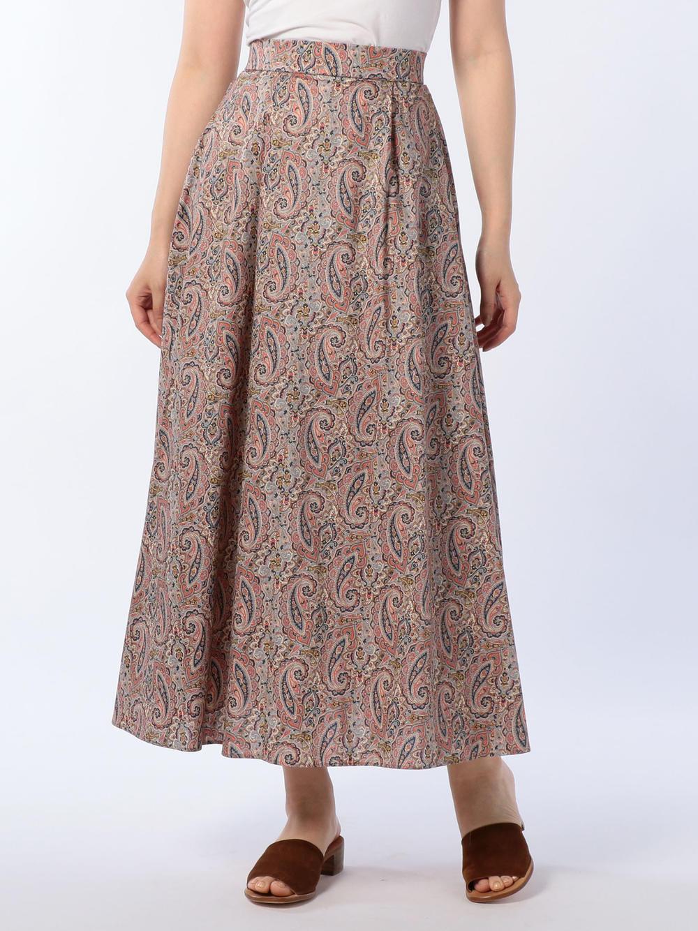 芸能人が火曜サプライズで着用した衣装スカート