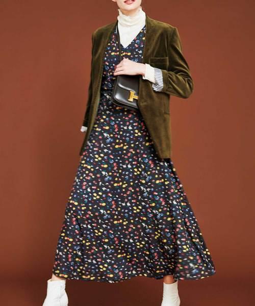 芸能人がにじいろジーンで着用した衣装ワンピース