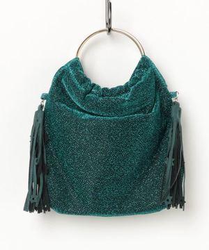 芸能人奥園千絵梨・編集部員がサバイバル・ウェディングで着用した衣装バッグ