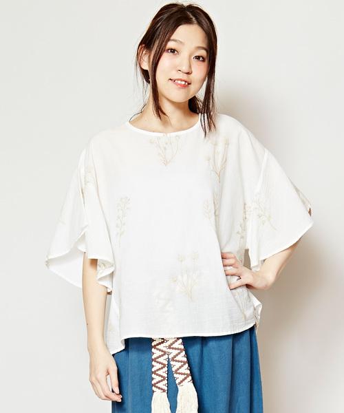 芸能人が健康で文化的な最低限度の生活で着用した衣装シャツ / ブラウス