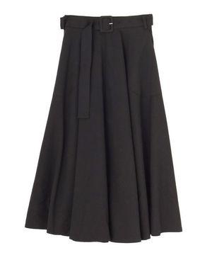 芸能人がブログで着用した衣装カーディガン/スカート/シューズ・サンダル