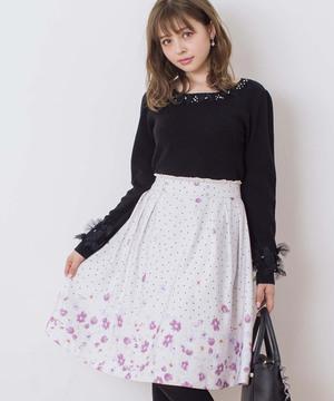 芸能人がリーガルV ~元弁護士・小鳥遊翔子~で着用した衣装スカート