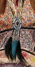 芸能人が奇跡体験!アンビリバボーで着用した衣装ジュエリー、アウター