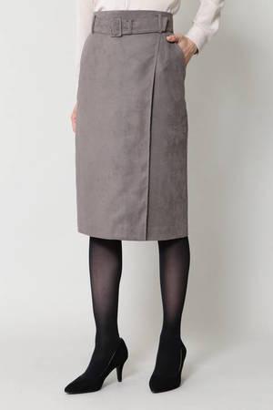 芸能人がSUITS/スーツで着用した衣装スカート