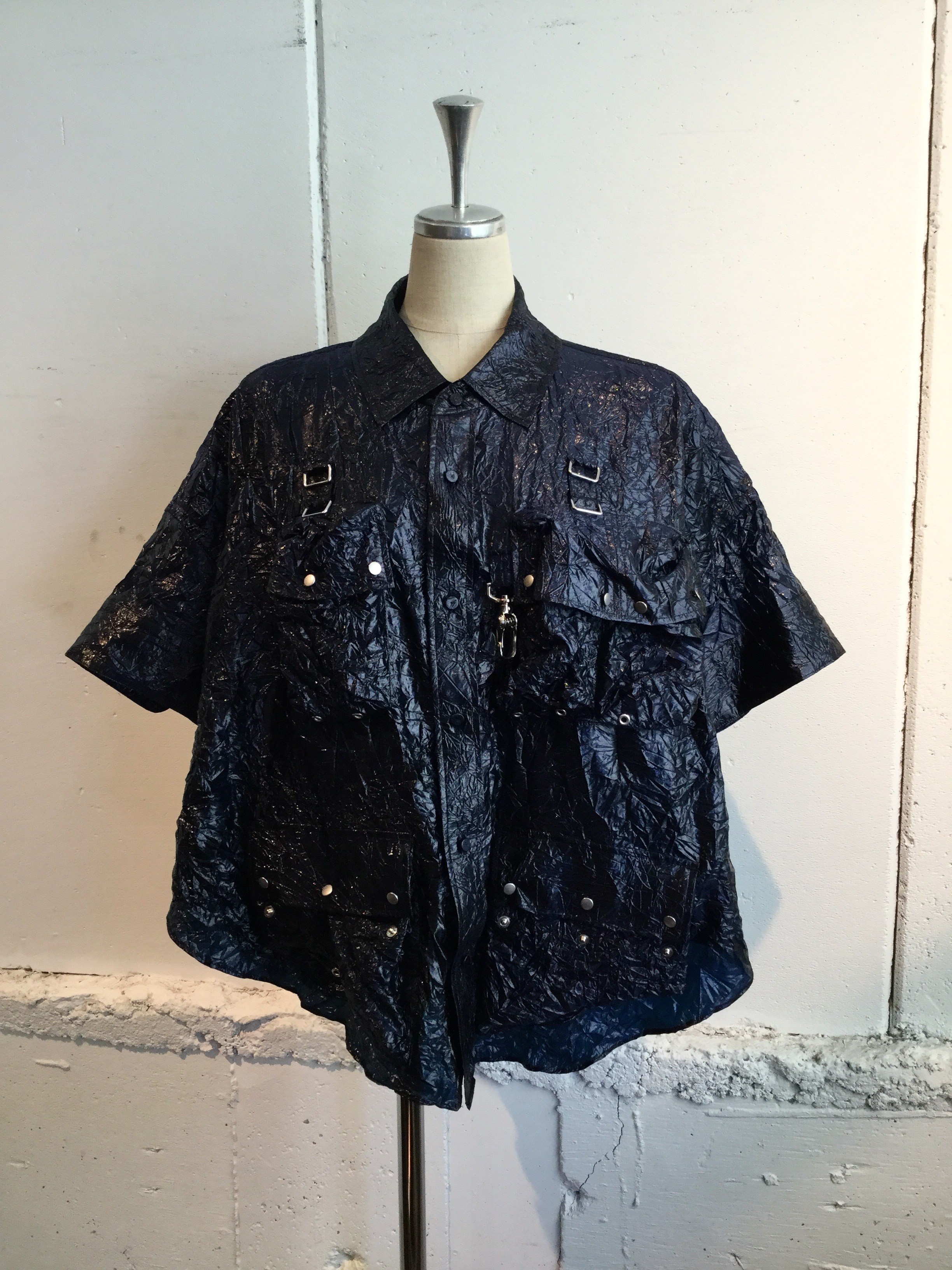 芸能人がアナザースカイで着用した衣装シャツ、パンツ、シューズ、ジュエリー