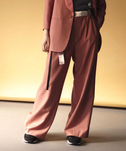 芸能人が林先生が驚く初耳学で着用した衣装パンツ