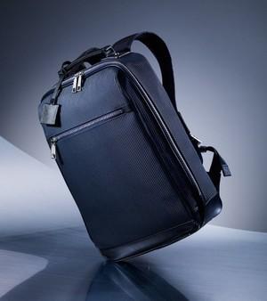 芸能人が獣になれない私たちで着用した衣装バッグ