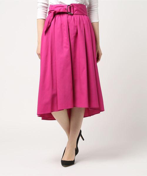 芸能人がメレンゲの気持ちで着用した衣装スカート
