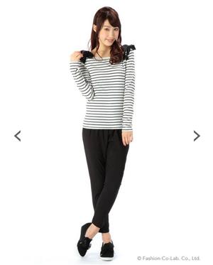 芸能人大島優子が銭の戦争で着用した衣装シャツ / ブラウス