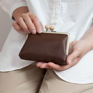 芸能人が獣になれない私たちで着用した衣装財布