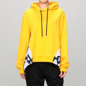 芸能人がInstagramで着用した衣装パーカー/ジャケット