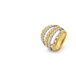 芸能人がSUITS/スーツで着用した衣装指輪