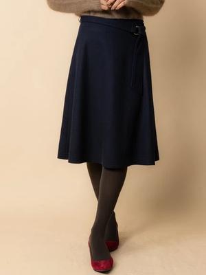 芸能人がスッキリ!!で着用した衣装スカート