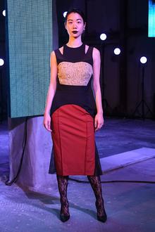 芸能人がめざましテレビで着用した衣装ワンピース