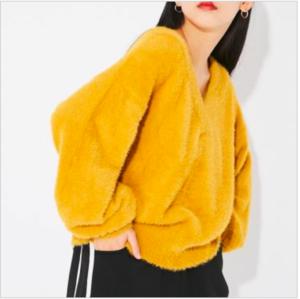 芸能人がInstagramで着用した衣装ニット/セーター