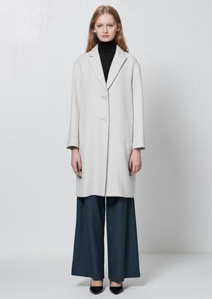 芸能人がリーガルV ~元弁護士・小鳥遊翔子~で着用した衣装コート