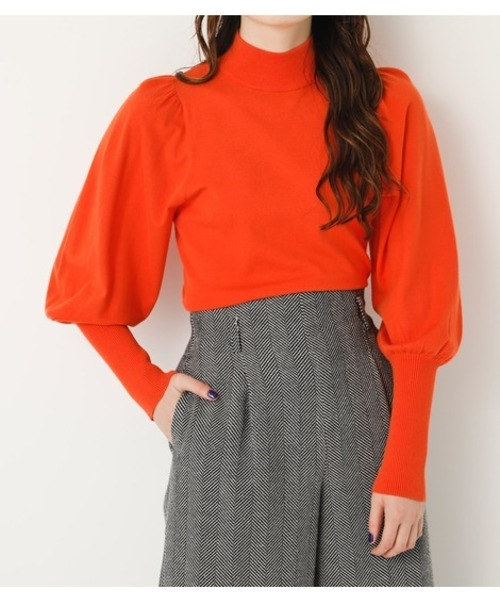 芸能人がメレンゲの気持ちで着用した衣装ニット、スカート