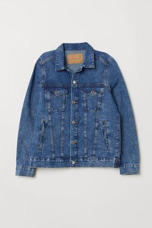芸能人がInstagramで着用した衣装シャツ/ジャケット/パンツ