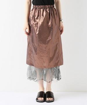 芸能人が世界仰天ニュースで着用した衣装ブラウス/スカート