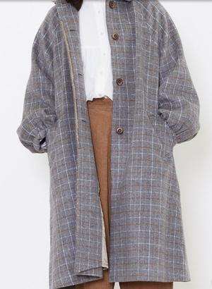 芸能人が人生が楽しくなる幸せの法則で着用した衣装コート