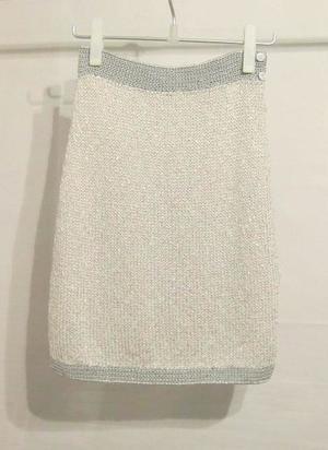 芸能人がウィークリーニュースONZEで着用した衣装スカート
