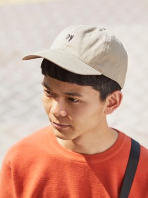 芸能人がデザイナー渋井直人の休日で着用した衣装帽子