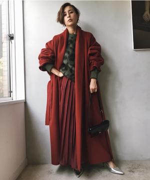 芸能人がメゾン・ド・ポリスで着用した衣装アウター