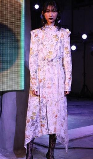 芸能人がvs嵐で着用した衣装ワンピース