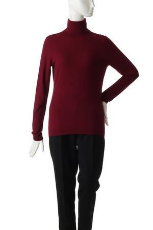 芸能人がグッドワイフで着用した衣装ニット