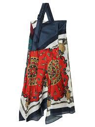 芸能人が世界一受けたい授業で着用した衣装ワンピース、ニット